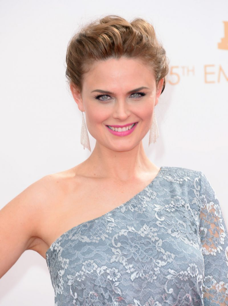Emily Deschanel 65th Emmys